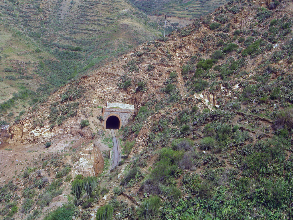 Eritrea_Train_Mountain_Tunnel